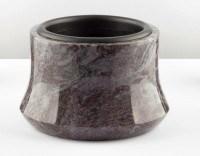 Elegante Granit-Grabschale, 23 cm Durchmesser