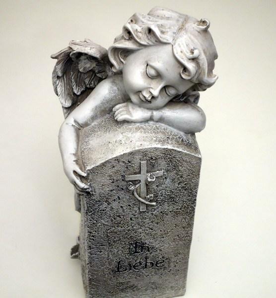 Engel mit Stein / Kreuz mit Rose